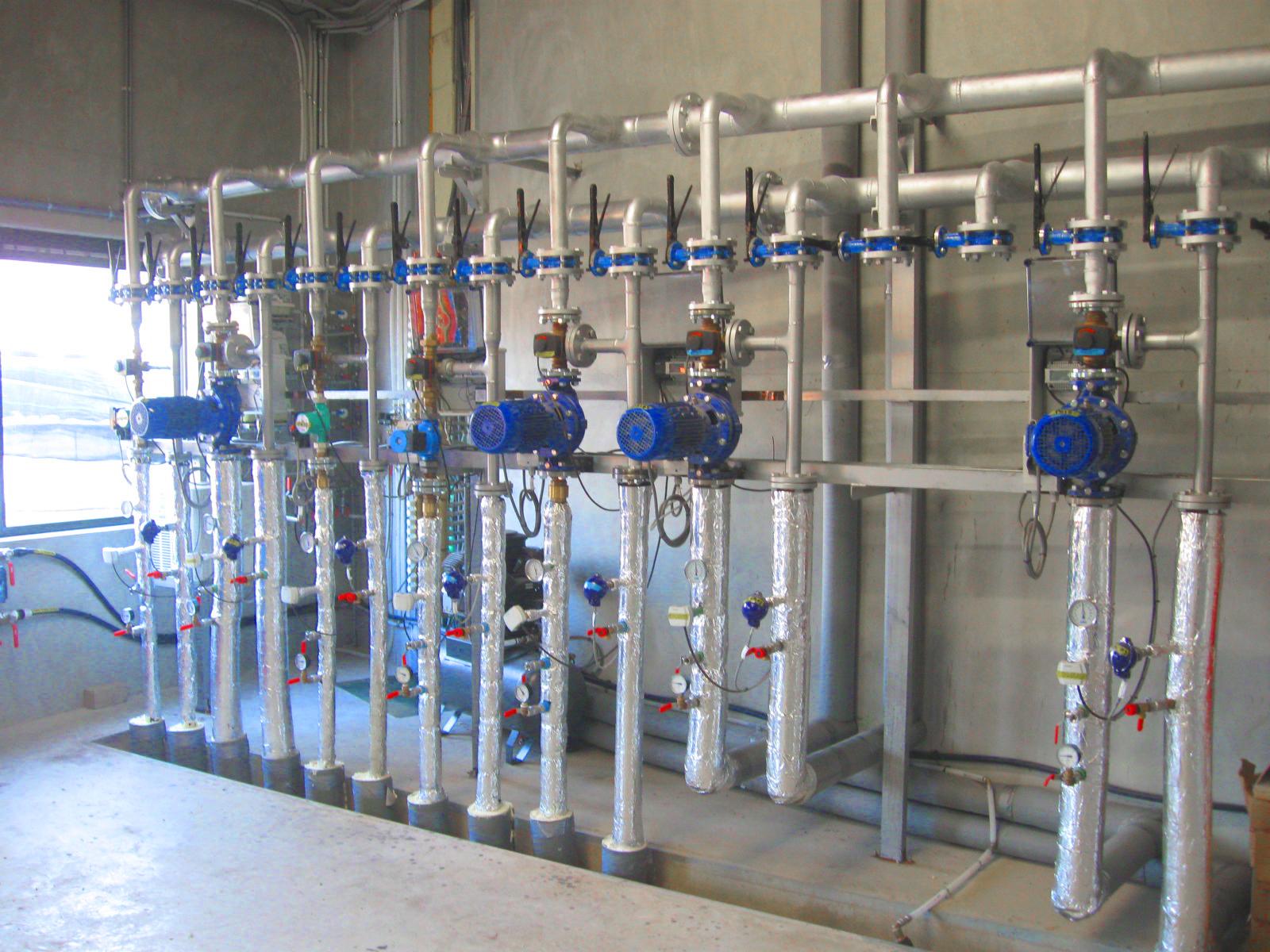 04 Planta de Biogás de 2 MW en Moerstraten Países Bajos -Colector circuitos calefacción -Sistema de calefacción para biodigestores
