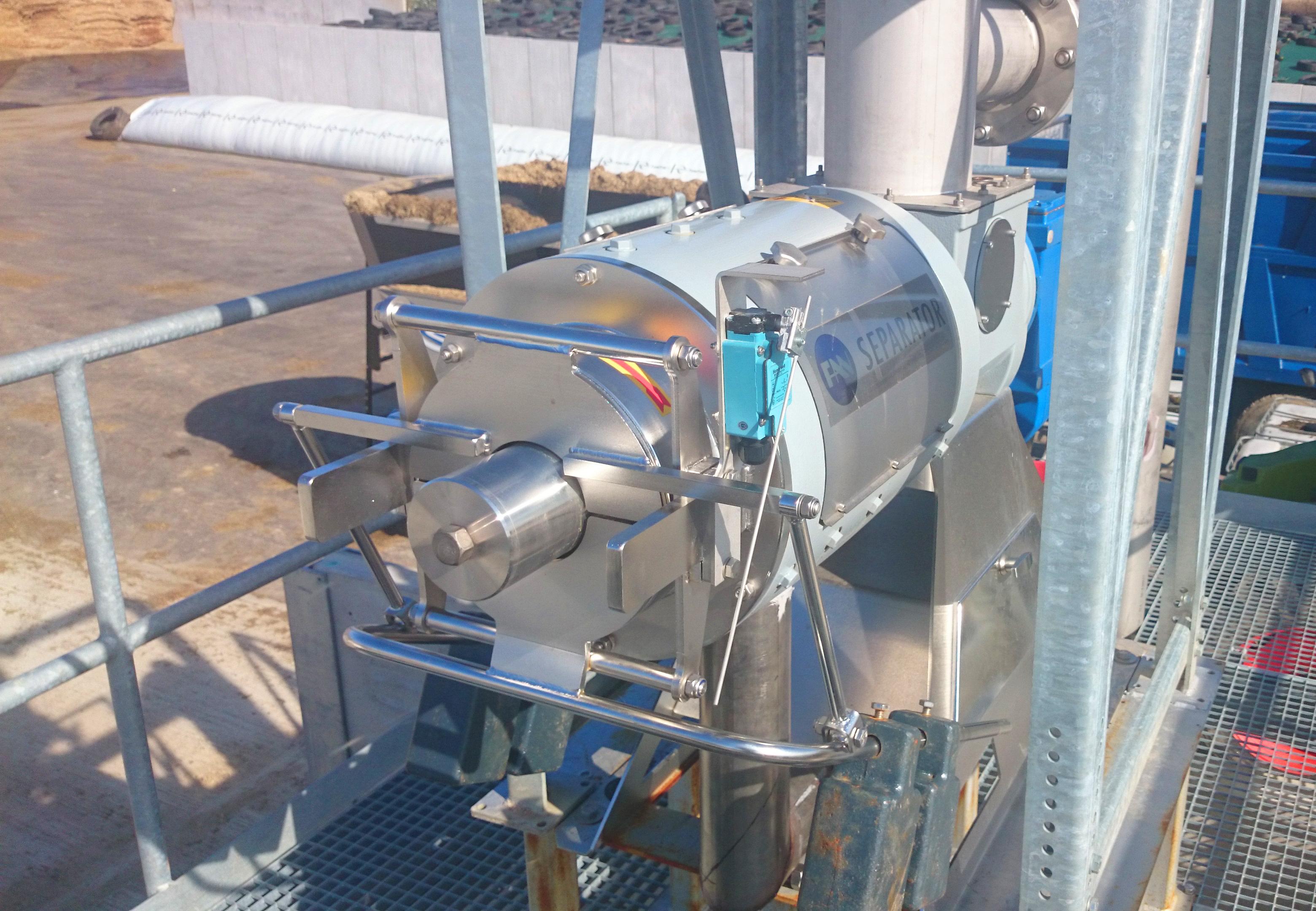 03 Instalación de Separadores y Plataforma-Planta de Biogás de 1MW en Stracathro Reino Unido
