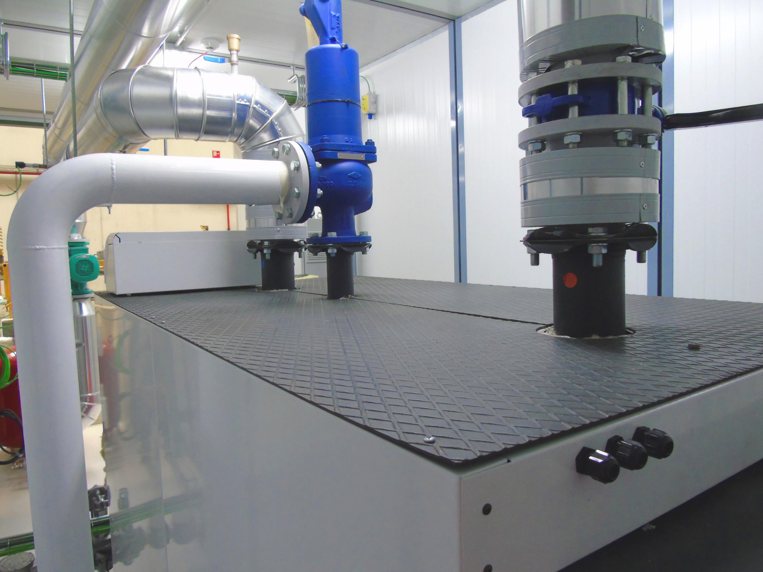 06Contenedor de Calefacción-Planta de Biogás de 1MW en Stracathro Reino Unido-Contenedor de calefaccion-Stracathro-QILA