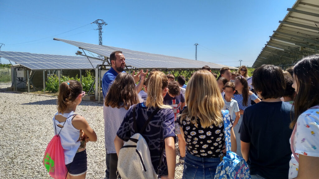 INDEREN outreach class renewable INDEREN Jornada de concienciación energías renovables escolares Huerto Solar de Picassent 01