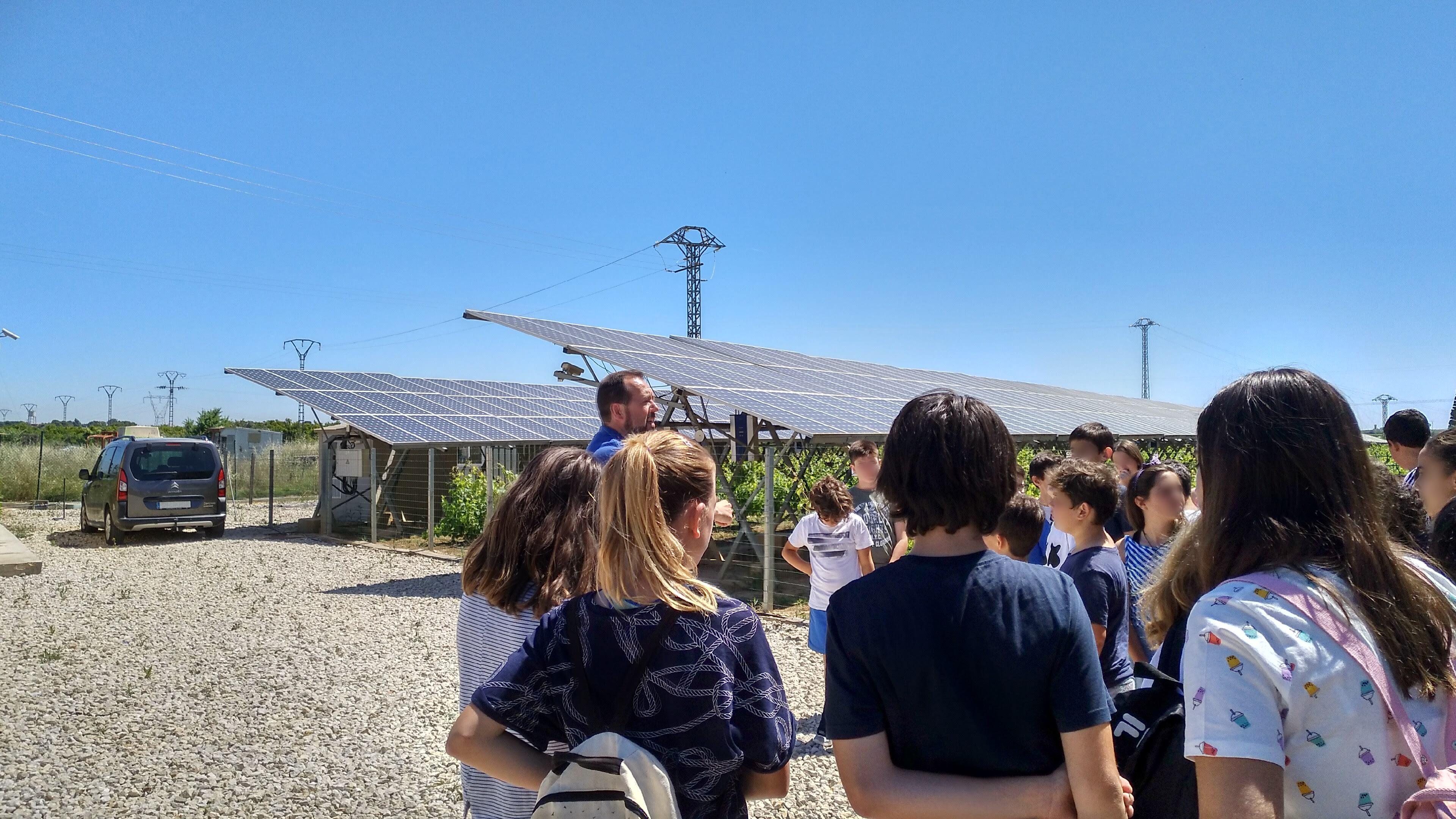INDEREN outreach class renewable INDEREN Jornada de concienciación energías renovables escolares Huerto Solar de Picassent 02