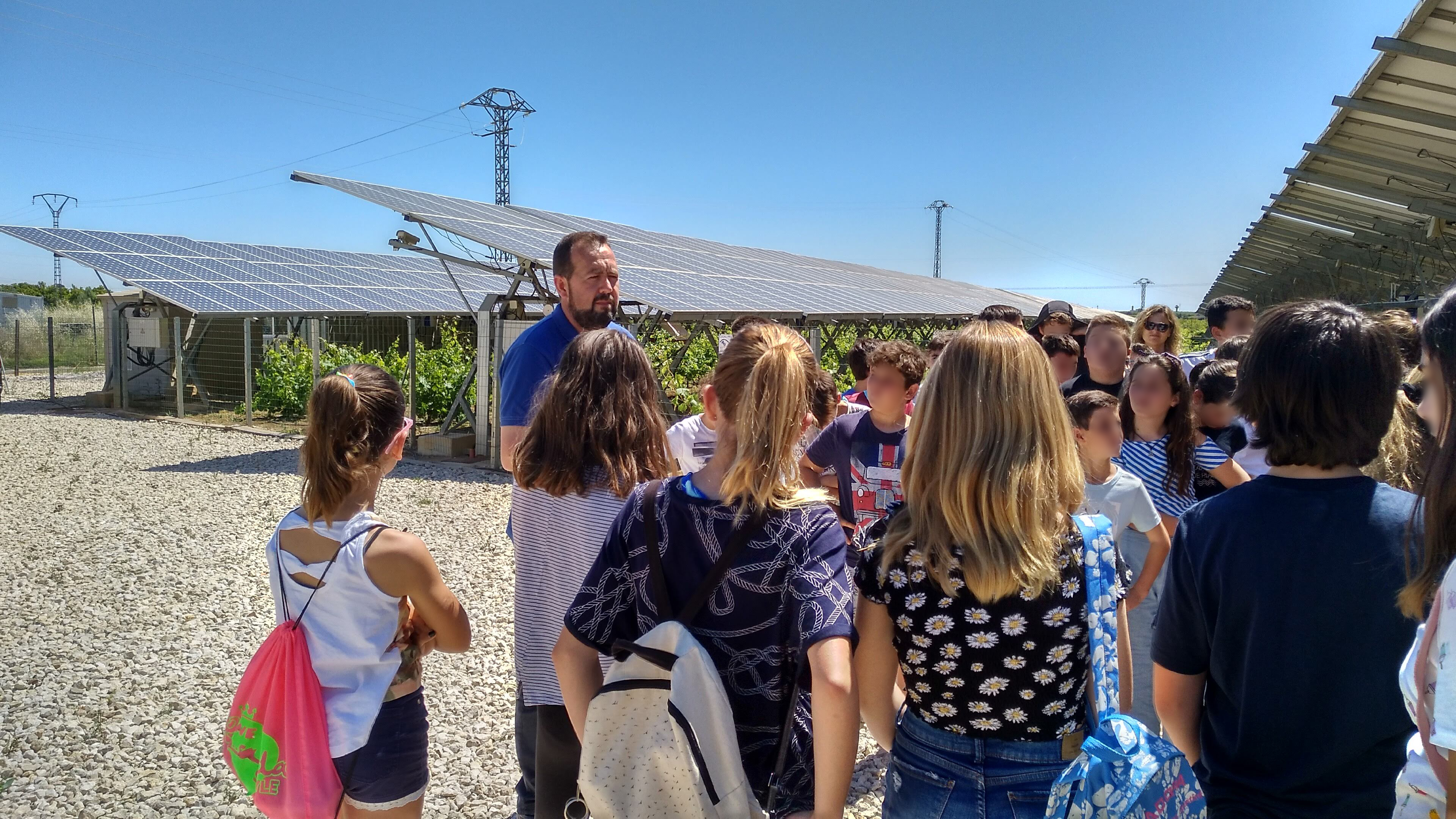 INDEREN outreach class renewable INDEREN Jornada de concienciación energías renovables escolares Huerto Solar de Picassent 05