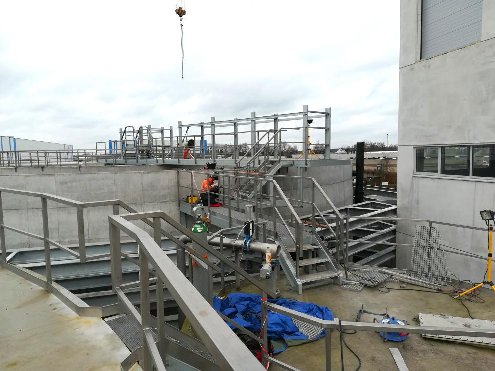 Planta de Tratamiento de Aguas Nazareth-Vista general_Puente_Pasarela Tanque aeróbico-Mengtank